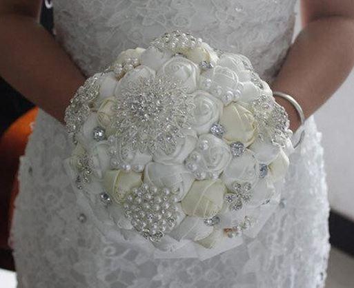 Wedding-crystal-diamond-bouquet