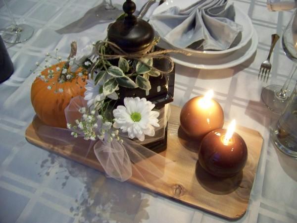 Wedding table decoration with cedar board
