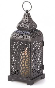 moroccan-tall-lantern-wedding-centerpiece