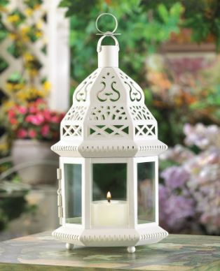 Wedding lantern with Moroccan style top