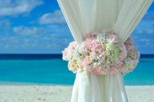 men linen suits for a beach wedding
