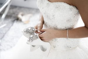 how to buy a wedding dress online
