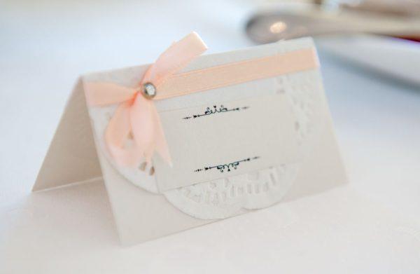 Tent lace doilies escort card