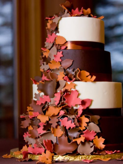 Country wedding decorations and fall cake
