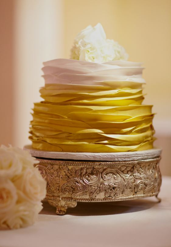 Single-tier gold affordable wedding cakes